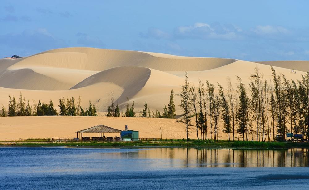 mui-ne-white-sand-dunes